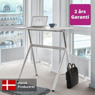 Billede af lille hæve sænkebord hvidt miljø