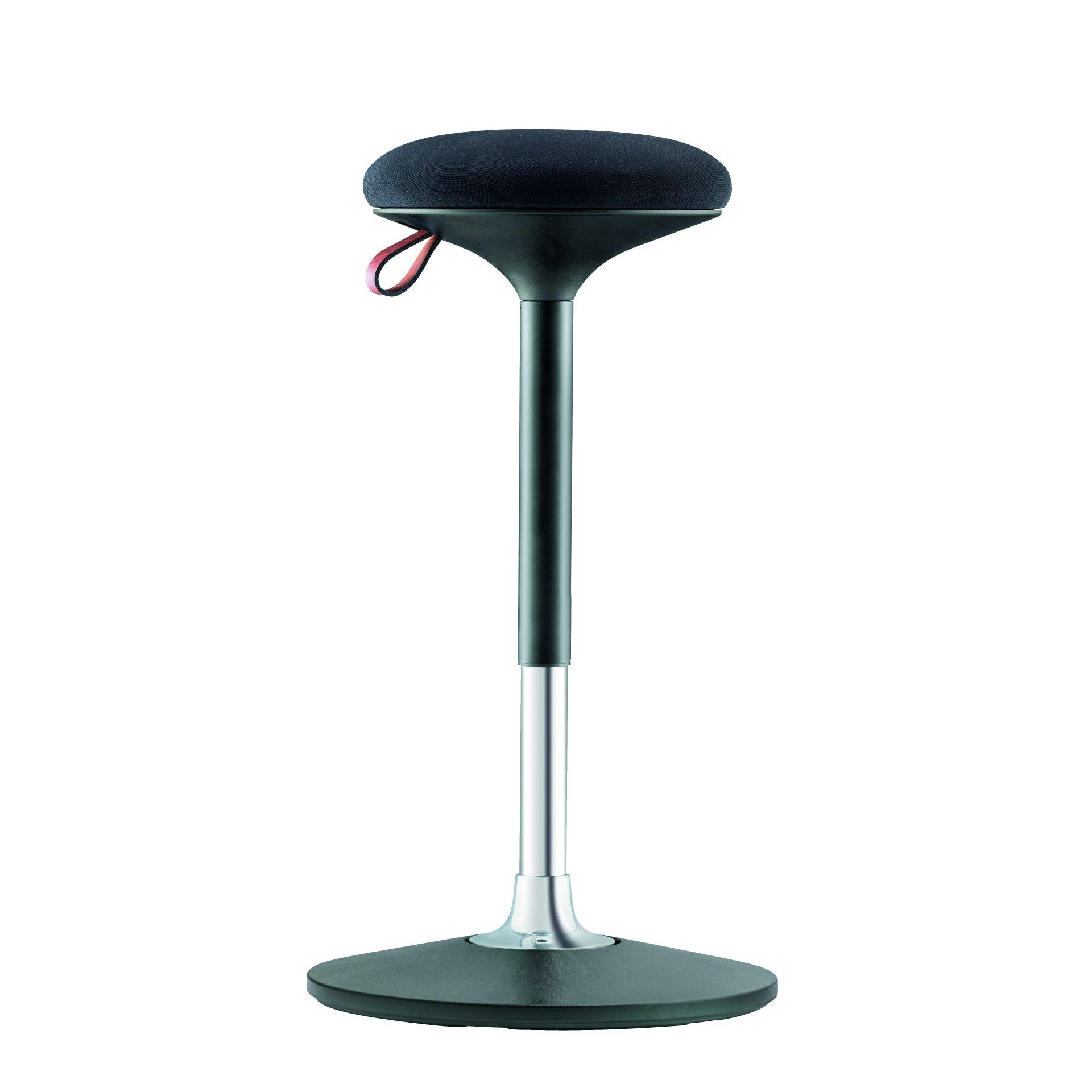 Billede af stå-støtte-stol, sort med polstret sæde.