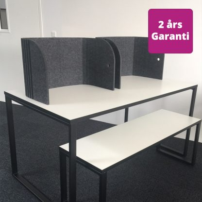 Billede af fleksibel bordskærm Sofia på eksamens bord